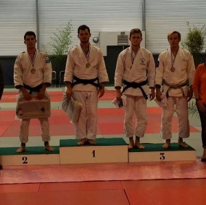 juniors_podium_Val_