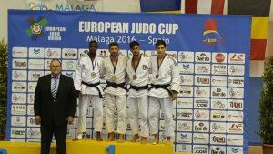 seniors_podium_samuel_nzingo