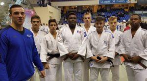 equipe_cadets_et_coach_vivian